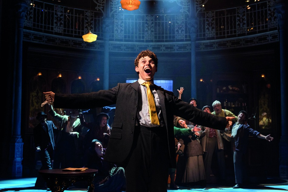 half-a-sixpence-charlie-stemp-and-company-photo-by-manuel-harlan