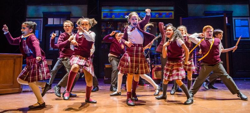 school-of-rock-20-10-16-new-london-2532_rt_crop