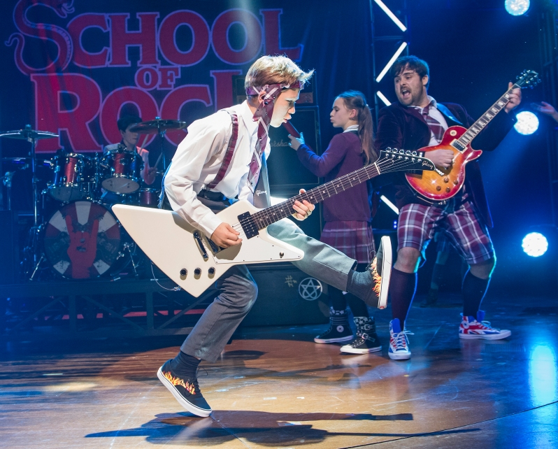 school-of-rock-20-10-16-new-london-4787_rt