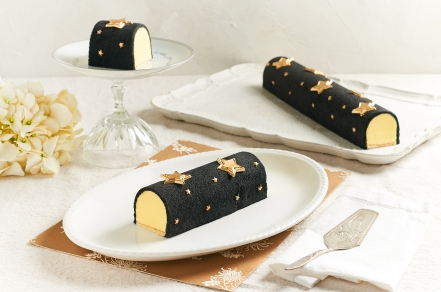 Goodwood Park Hotel D24 Durian Starry Starry Night Ice Cream Cake