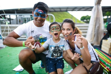 2. An unique family experience at the HSBC Singapore Rugby Sevens with something for fans of every age